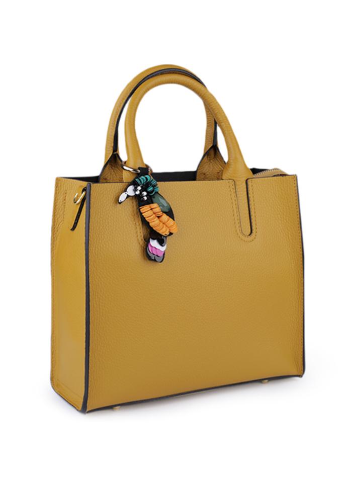 Kožená kabelka s přívěskem - Žlutá univerzal 5a19d11bfa