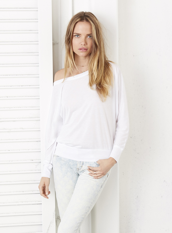 Tričko s širokým výstřihem - Bílá S