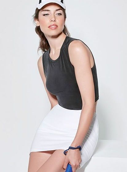 Dámska športová sukňa s integrovanými šortkami