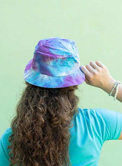 Batikovaný klobouk Festival